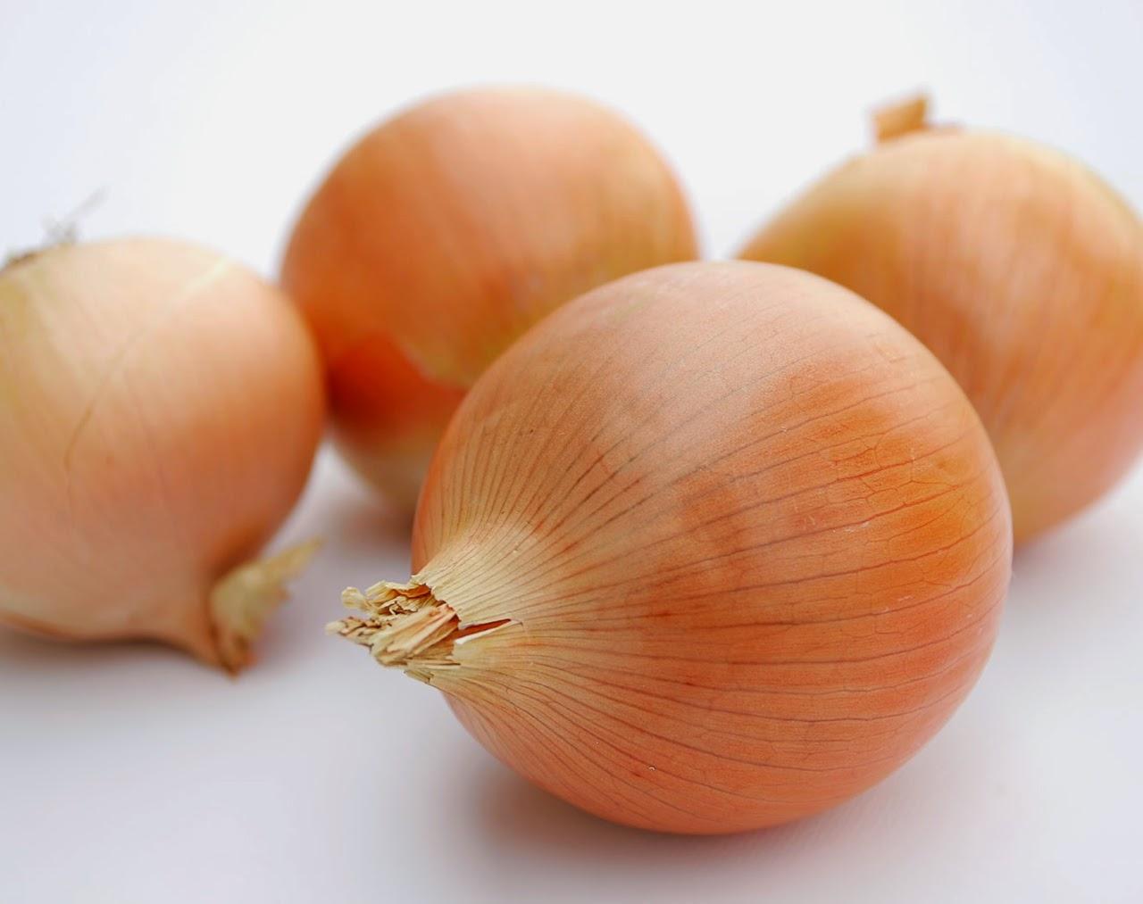 como-cortar-cebola-brunoise2
