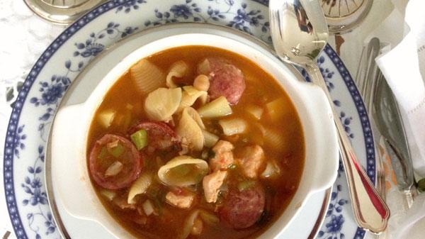 Sopa de Macarrão com batatinha
