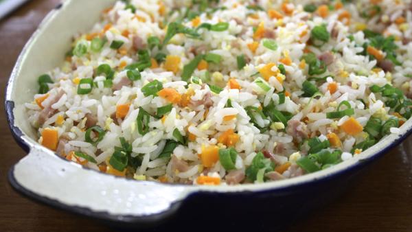 Arroz  Yakimeshi, um 'up' no arroz  de ontem