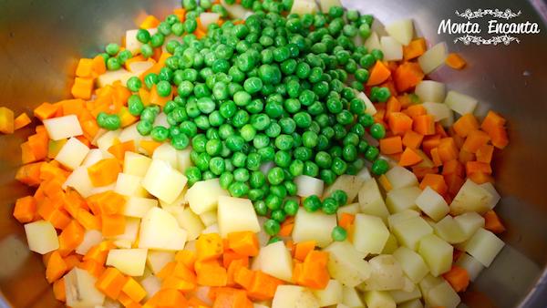 Salada de Batata Rústica com maionese