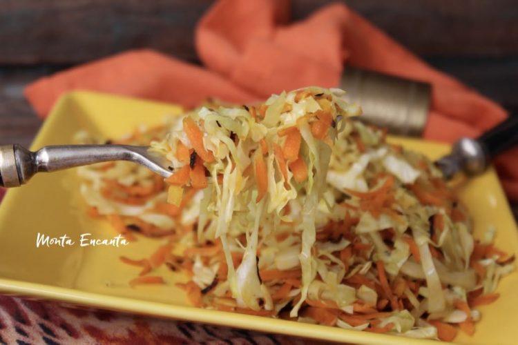 Repolho e Cenoura salteados na manteiguinha!