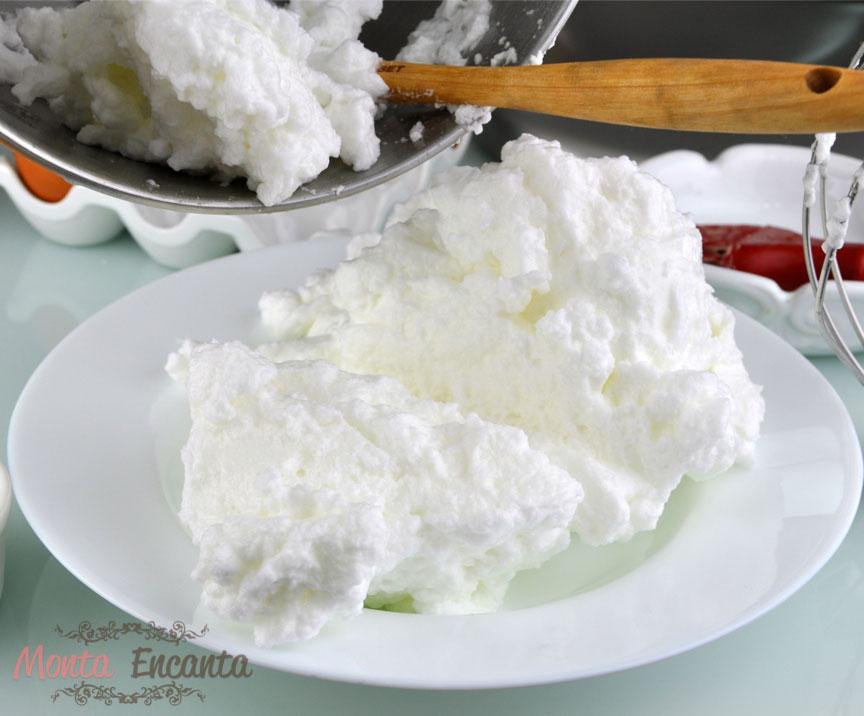 bolo-leite-condensado-recheio-doce-de-leite-pressao-monta-encanta12