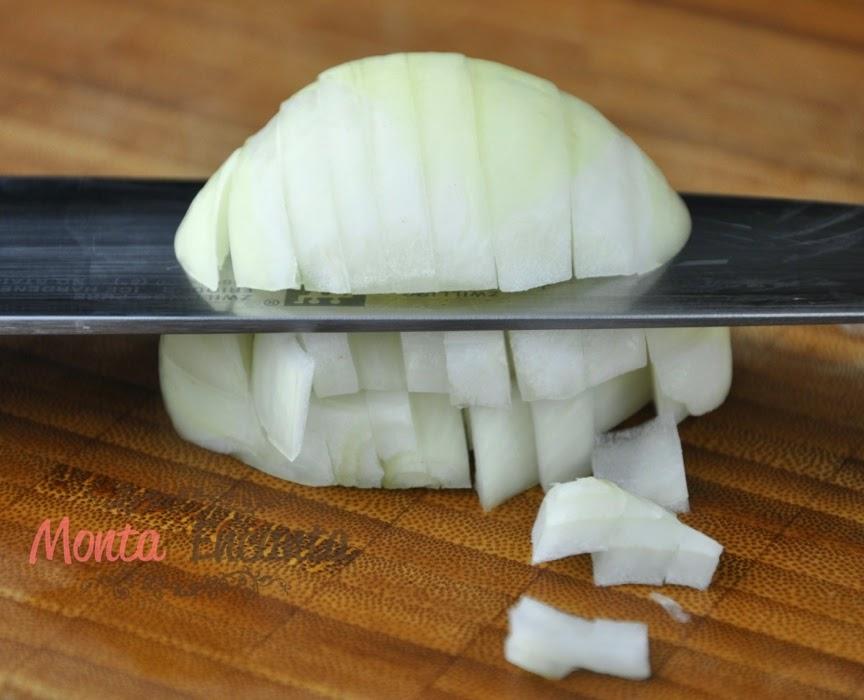 como-cortar-cebola-brunoise14