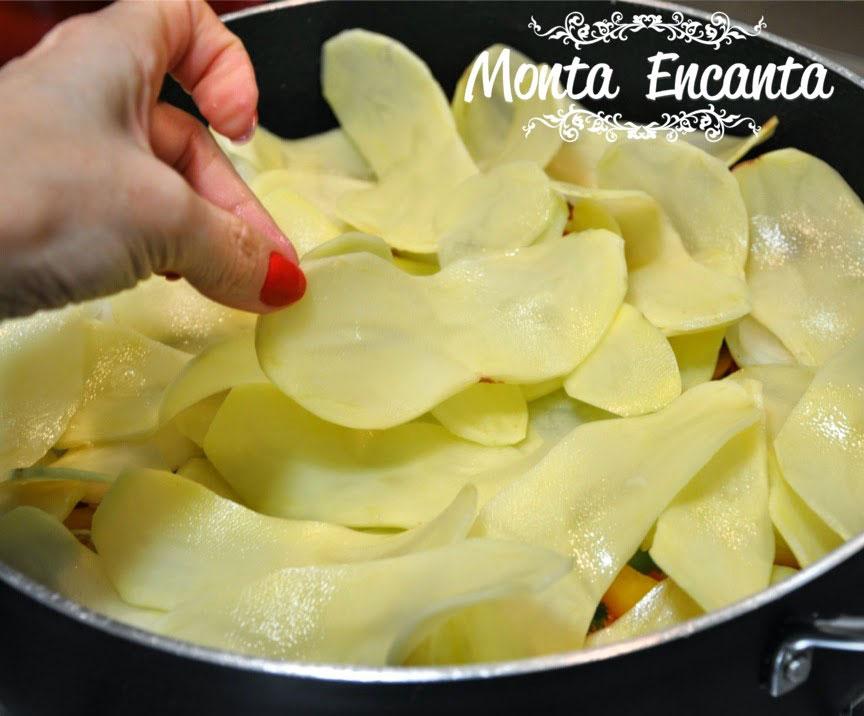 bacalhau-em-posta-batatas-pimentão-monta-encanta22