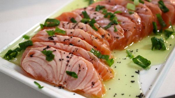 Resultado de imagem para sashimi de salmão e Peixe prego