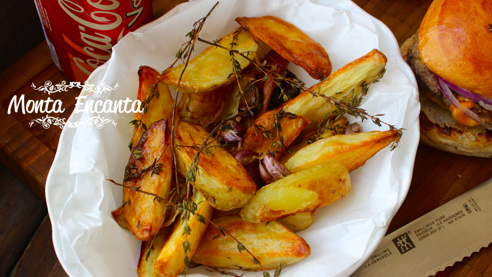 Batatas rústicas assadas ao tomilho