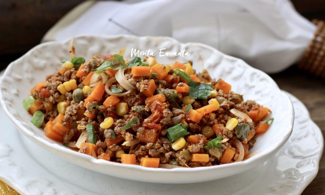 carne moída com legumes