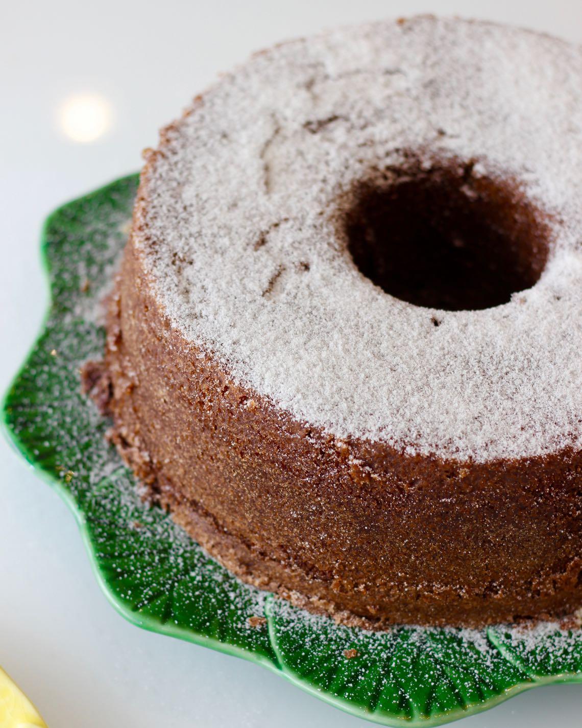 bolo simples de chocolate