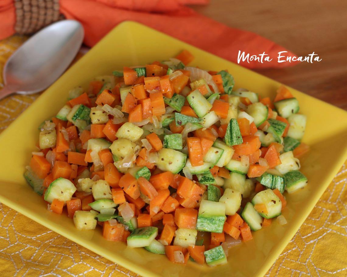 cenoura e abobrinha salteadas