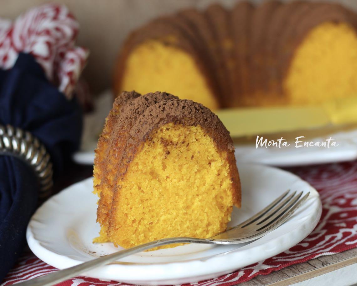 bolo com cenoura com maisena fica mais fofinho